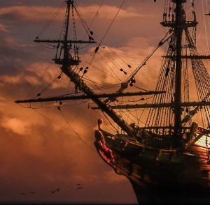 Piraattilaiva purjehtii.